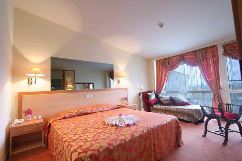 Room Therme Maris Health & Spa Resort