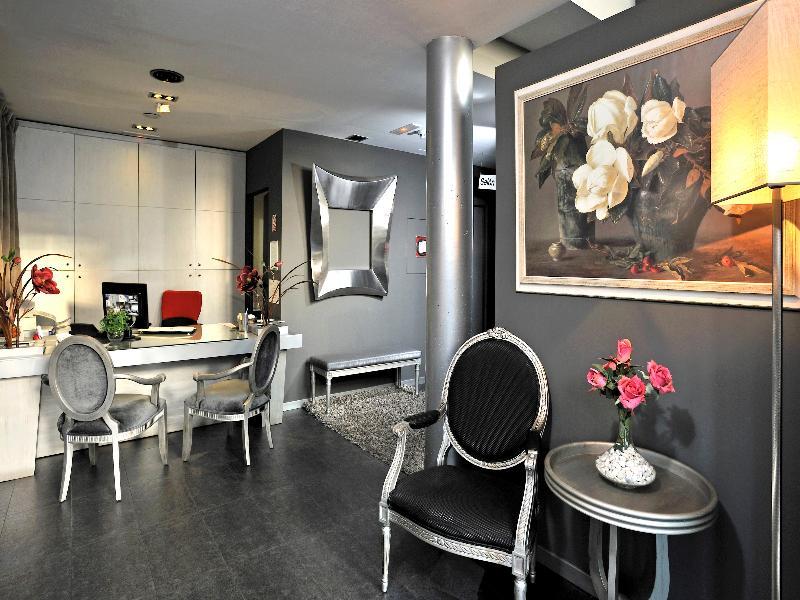 Lobby Globales Acis & Galatea Hotel