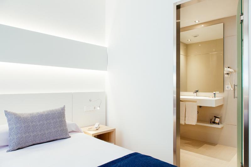 Room Globales Acis & Galatea Hotel