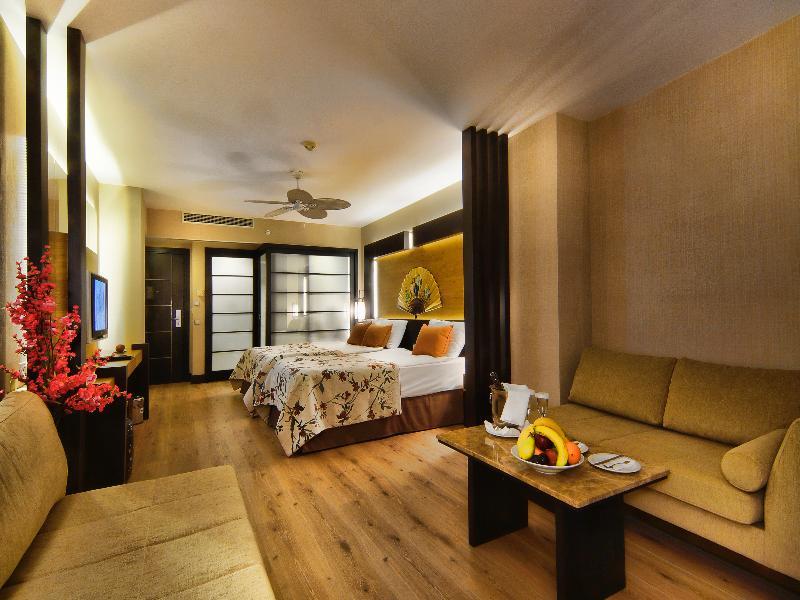 Foto de Limak Lara De Luxe Hotel AND Resort
