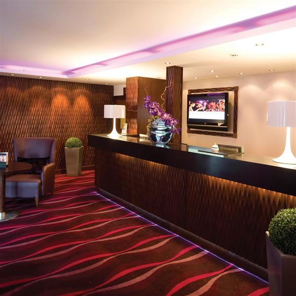 Lobby Hallmark Inn Manchester South