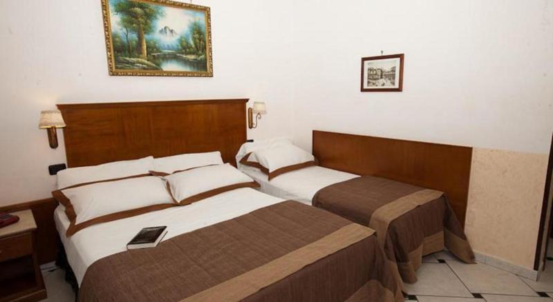 Room Garibaldi