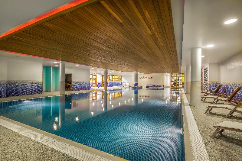 Pool Clayton Hotel Cardiff Lane