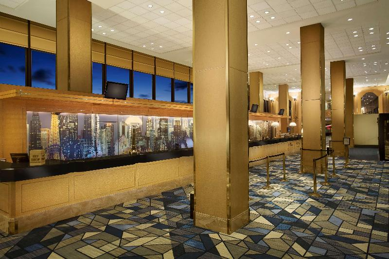 Lobby Hilton Chicago O\'hare Airport