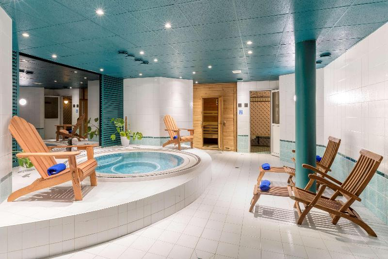 Sports and Entertainment Best Western Hotel Grand Parc Marne La Vallee