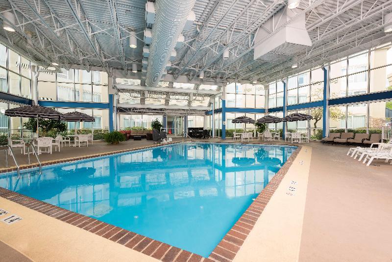 Pool Holiday Inn Elk Grove