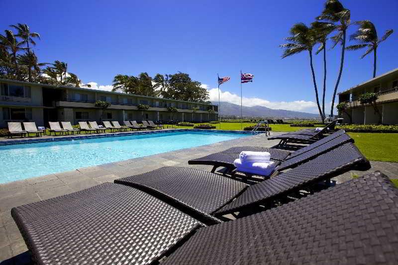 Pool Maui Seaside Hotel