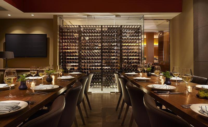 Restaurant The James Hotel Chicago