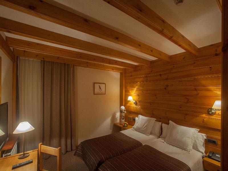 Room Bonavida