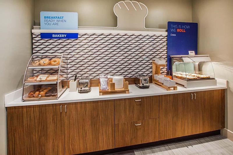Restaurant Holiday Inn Express Vancouver Airport-richmond