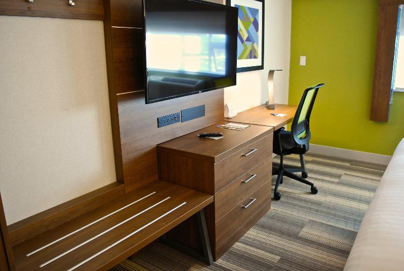 Room Holiday Inn Express Vancouver Airport-richmond