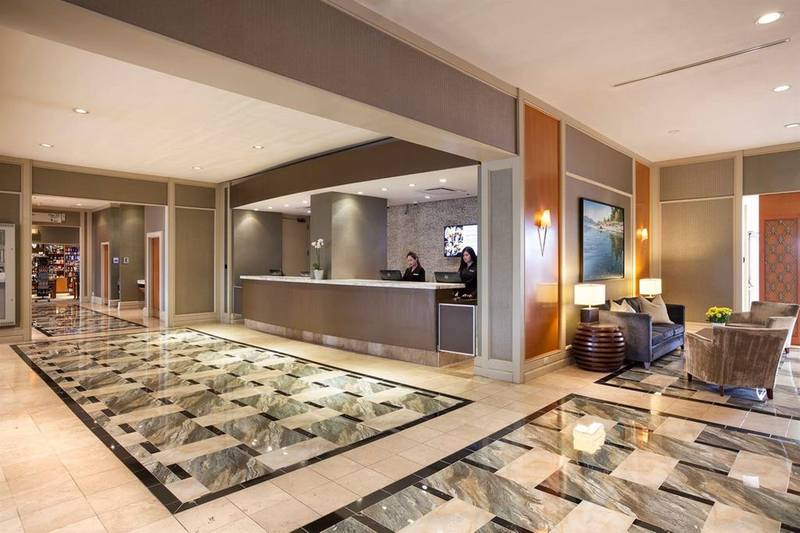 Lobby Pacific Gateway Hotel Vancouver Airport