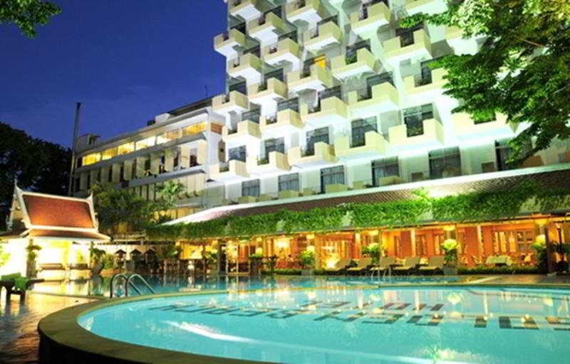 Pool Golden Beach Pattaya