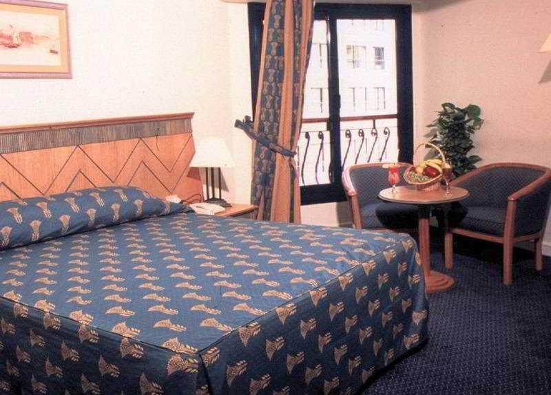 Room Zoser