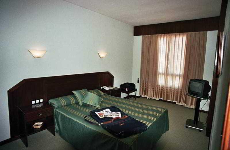 Room Husa Pou Clar