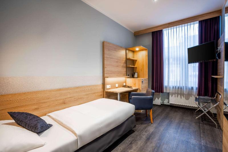 Room Comfort Hotel Frankfurt Central Station