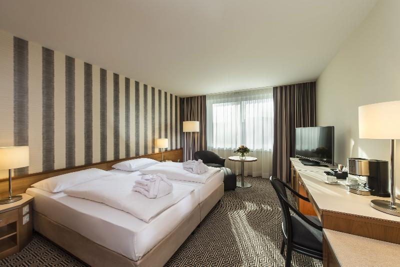 Room Maritim Hotel Stuttgart