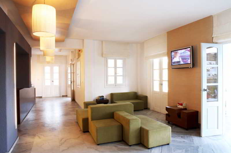 Lobby Far Out Hotel & Spa