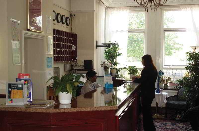 Lobby Clapham South Dudley Hotel