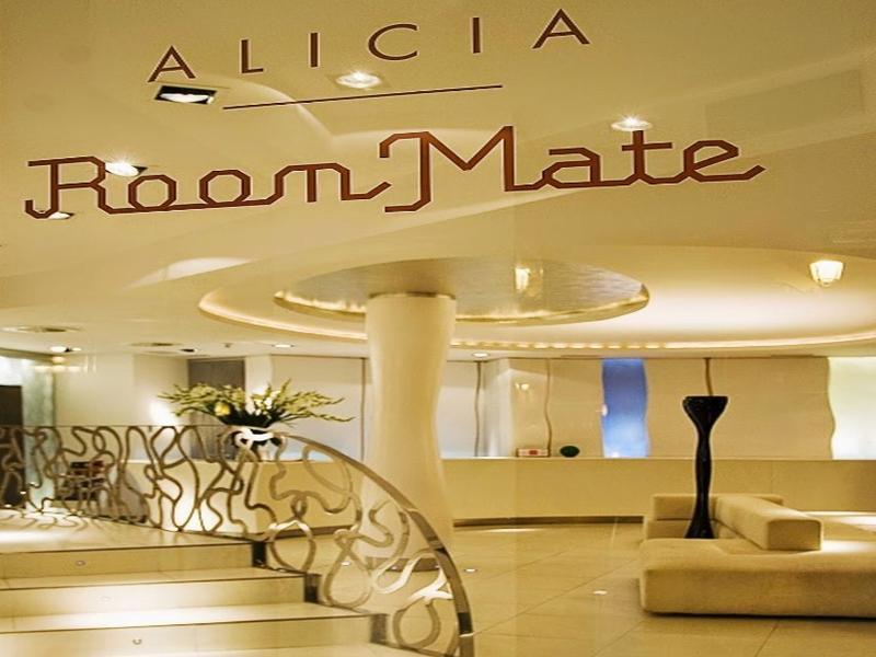 Lobby Room Mate Alicia