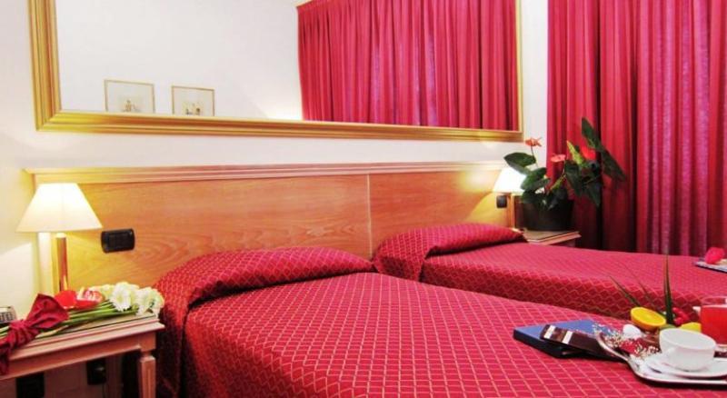 IH Milano St. John Sesto San Giovanni - Room - 10