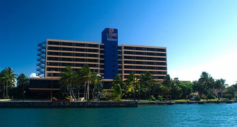 General view Hotel Playa Caleta Salsa Club
