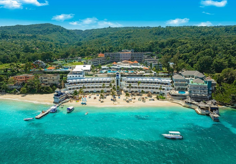 BEACHES OCHO RIOS, SPA, GOLF, WATERPARK RESORT - ALL INCLUSIVE