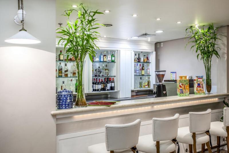 Bar Blue Tree Premium Verbo Divino