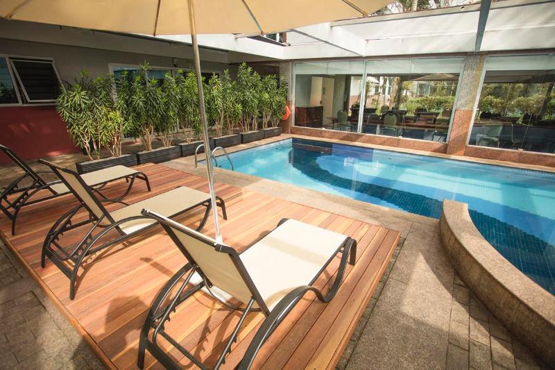 Pool Blue Tree Premium Verbo Divino