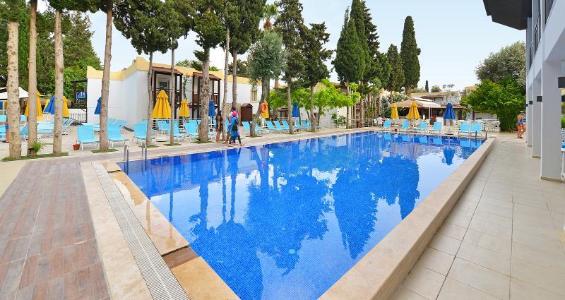 Pool Smartline Bitez Garden Life