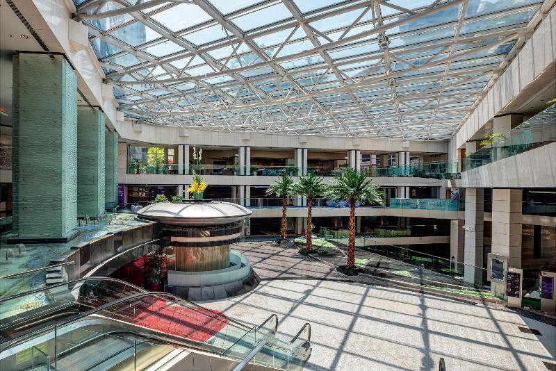Lobby Regal Airport