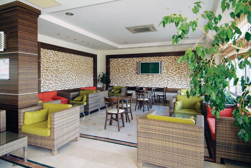 Bar Side West Resort Hotel