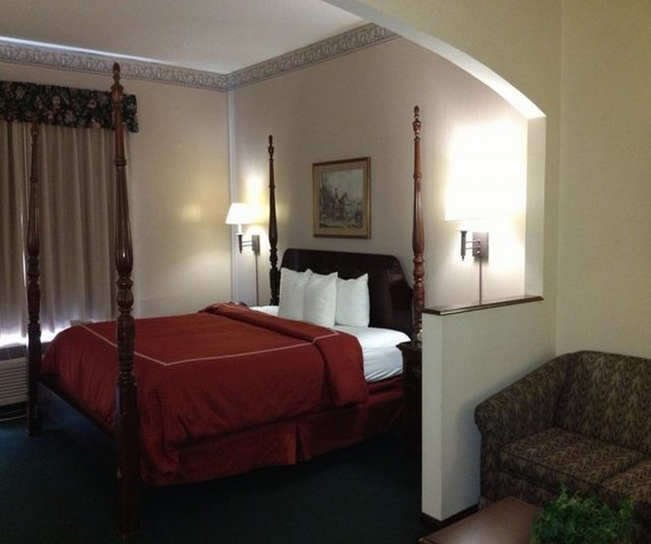 Room Red Roof Inn And Suites Albany Ga