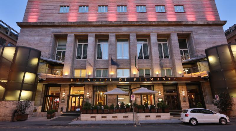 Lobby Atahotel Principi Di Piemonte