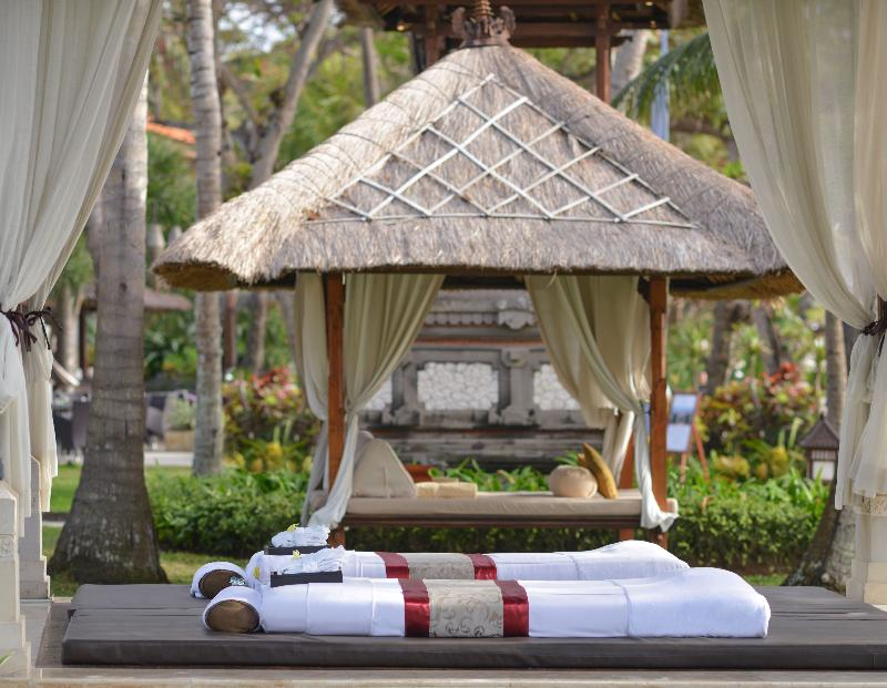 From its panoramic views of the Indian Ocean to its Balinese hospitality. The Laguna, a Luxury Collection Resort and Spa offers a memorable experience.