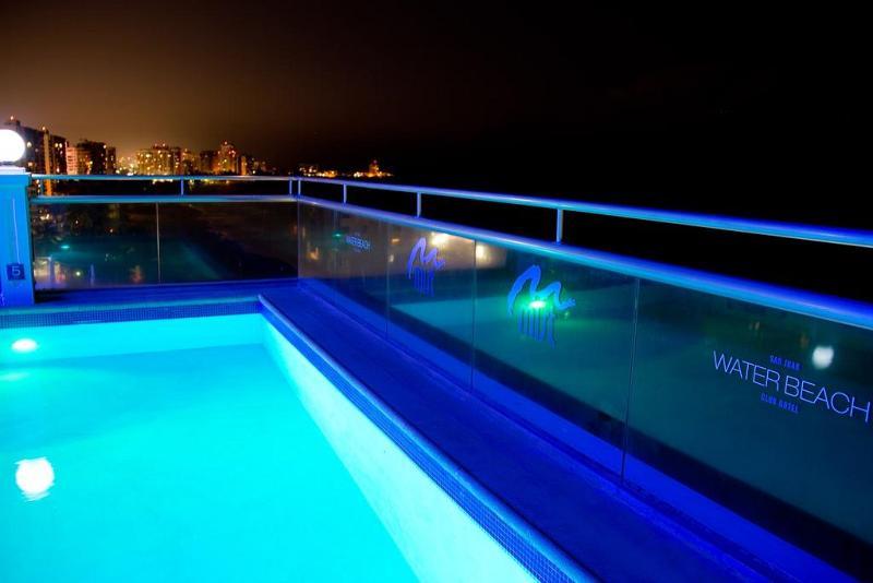 Pool San Juan Water & Beach Club Hotel