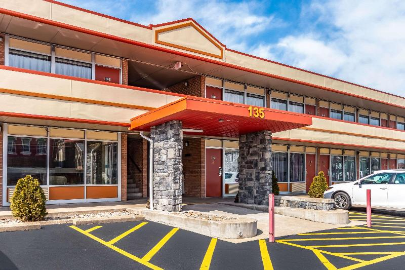 General view Econo Lodge (zanesville)