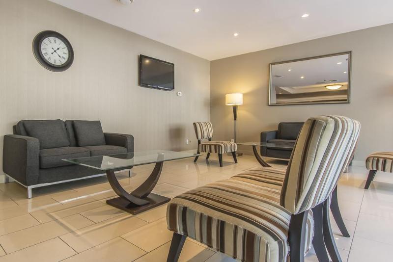 Room Comfort Suites Downtown