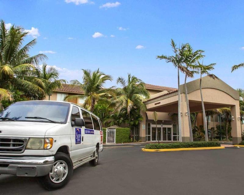 General view Sleep Inn & Suites Ft. Lauderdale Airport/cruise P