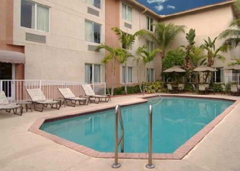 Pool Sleep Inn & Suites Ft. Lauderdale Airport/cruise P