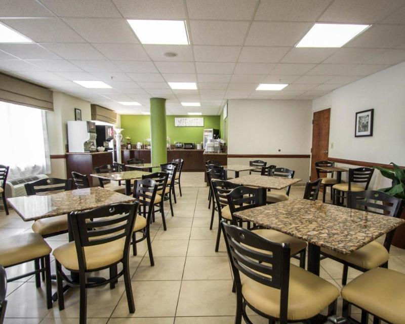 Restaurant Sleep Inn & Suites Ft. Lauderdale Airport/cruise P