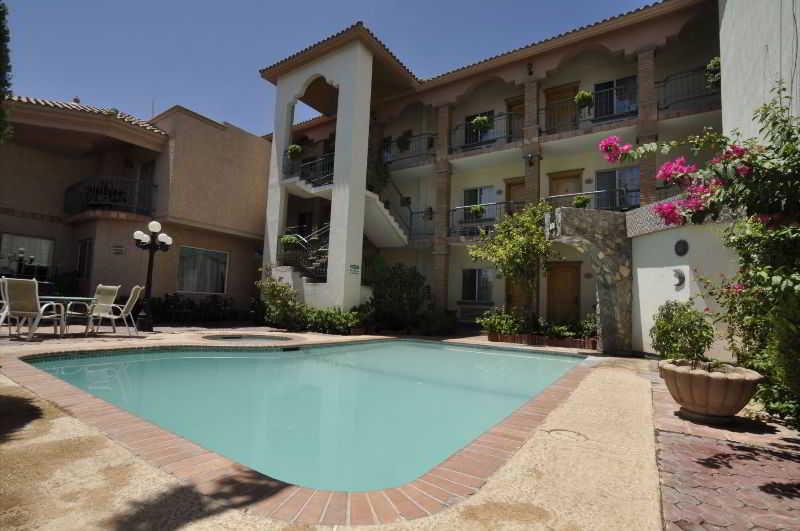 Pool Business Hotel & Suites Maria Bonita