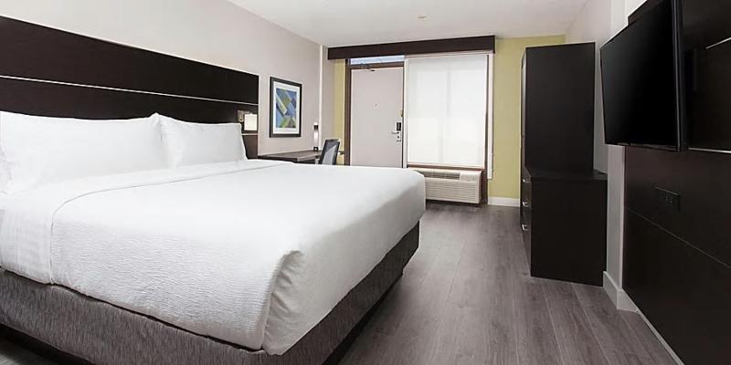 Room Holiday Inn Toronto Mississauga