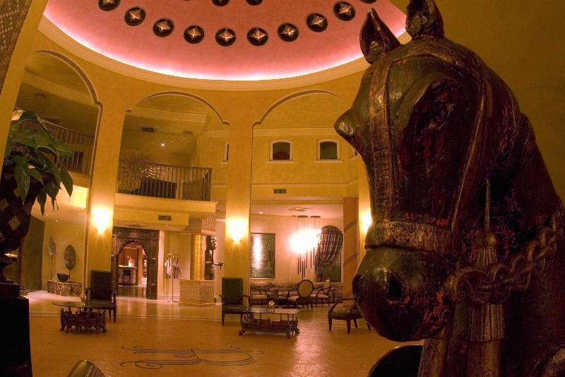 Lobby Romano Palace Luxury