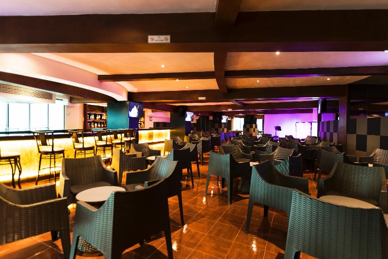 Bar Seadust Cancun Family Resort