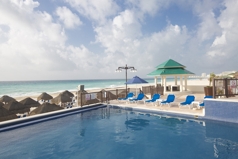 Pool Seadust Cancun Family Resort