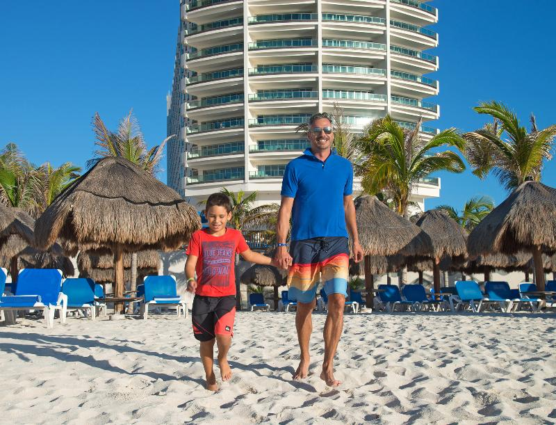 Room Seadust Cancun Family Resort