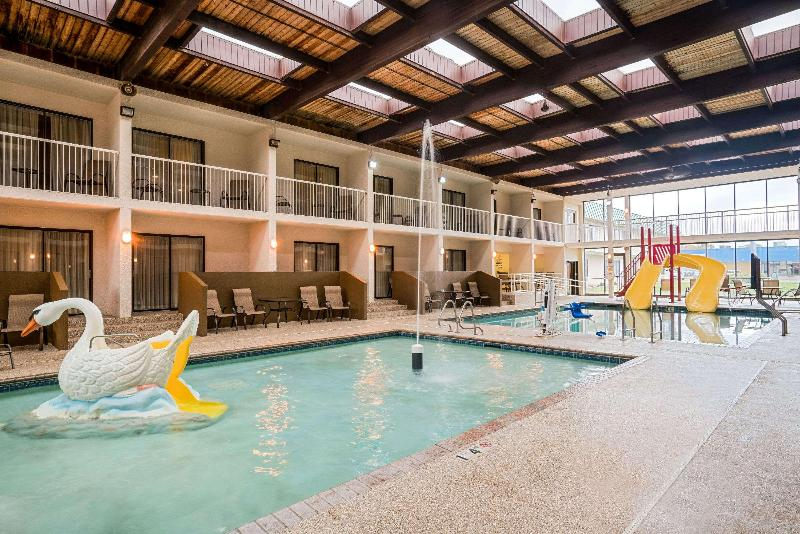 Pool Ramada Conference Center By Wyndham Plymouth