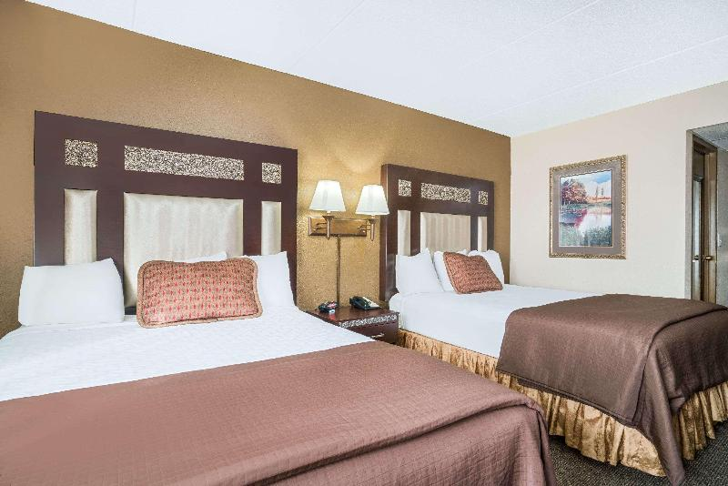 Room Ramada Conference Center By Wyndham Plymouth