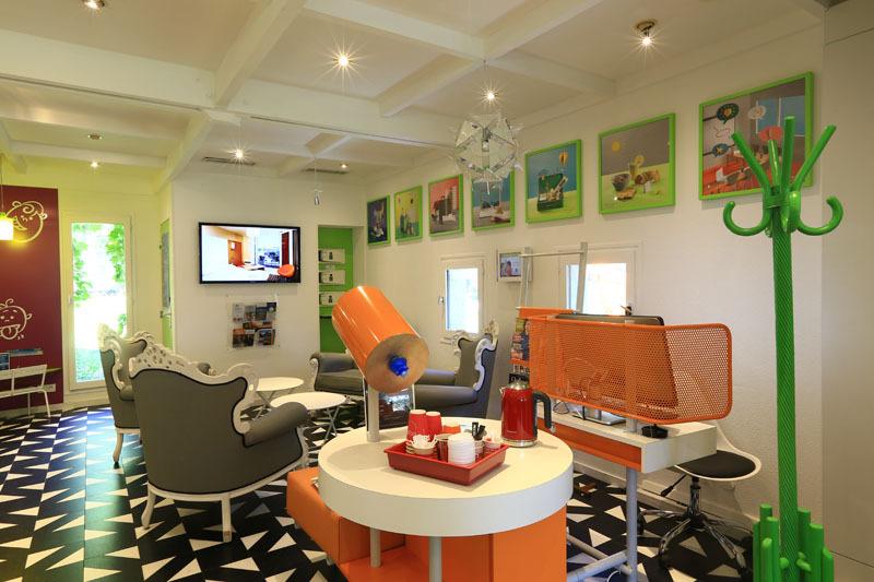 Lobby Ibis Styles Aix En Provence